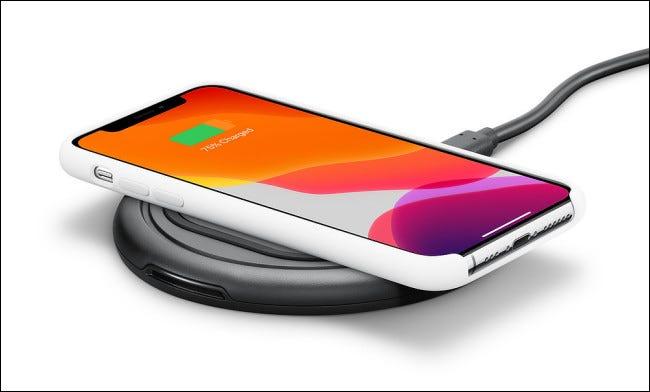 Photo d'un chargeur iPhone sans fil Otterbox