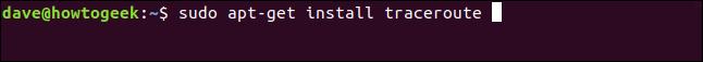 """La commande """"sudo apt-get install traceroute"""" dans une fenêtre de terminal."""