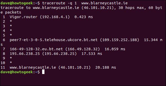 """La commande """"traceroute -q 1 blarneycastle.ie"""" dans une fenêtre de terminal."""