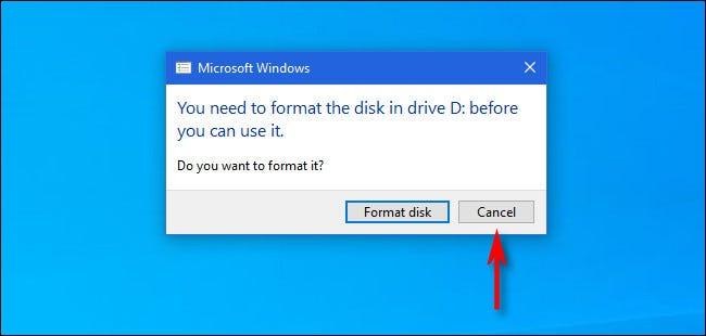 """Si Windows 10 vous demande de formater un disque Mac, cliquez sur """"Annuler""""."""