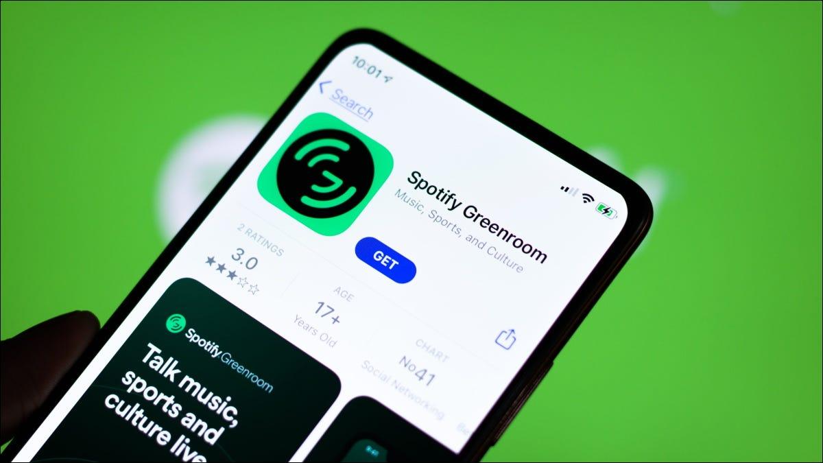 Installation de l'application Spotify Greenroom depuis l'App Store sur iPhone.