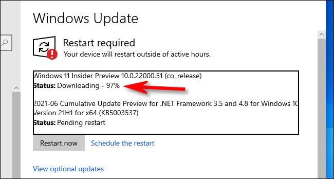 Vous verrez la progression du téléchargement de Windows 11 Preview dans Windows Update.