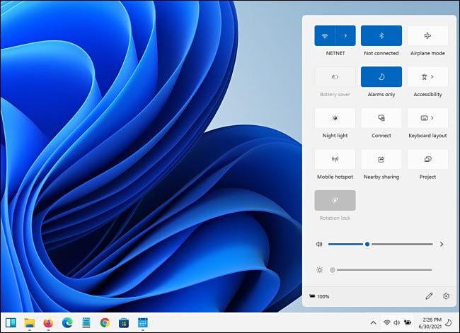 Avec plus d'éléments ajoutés au menu Paramètres rapides de Windows 11, le menu se développe verticalement.