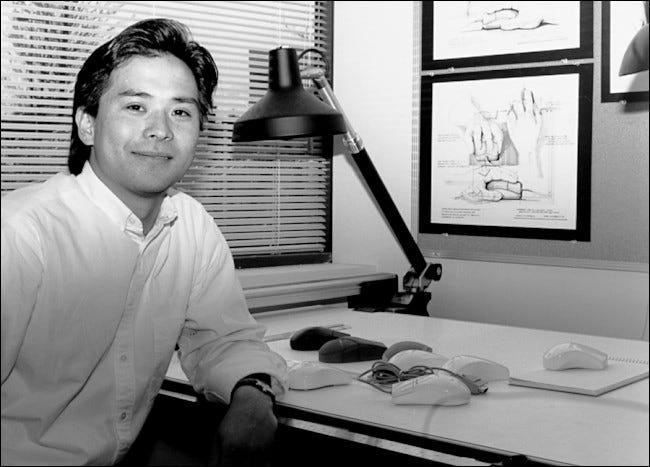 Steve Kaneko concevant des souris chez Microsoft, au début des années 90.