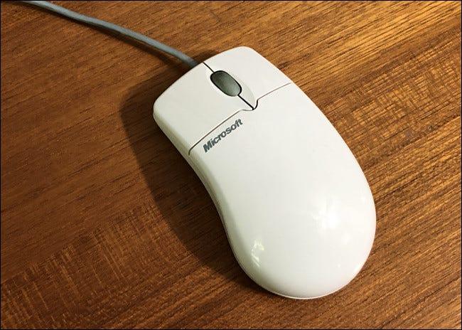 La souris Microsoft Intellimouse originale de 1996