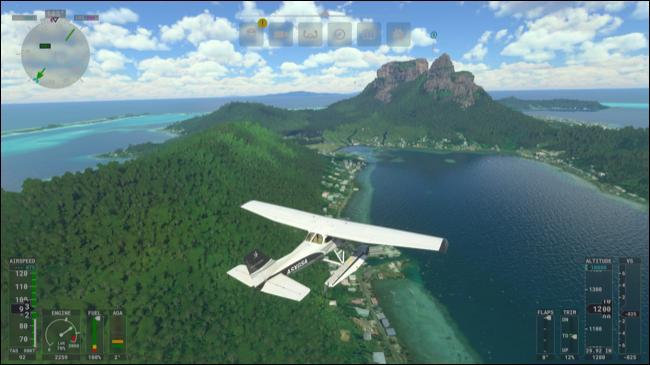 Voler dans le ciel au-dessus d'une île dans Microsoft Flight Simulator.