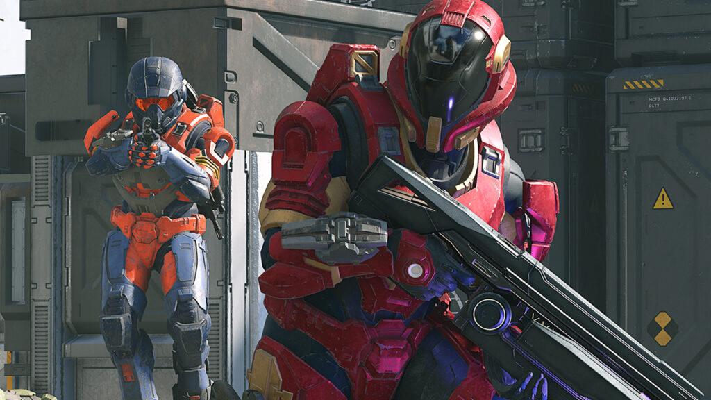 Deux Spartiates se battent dans Halo Infinite